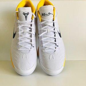 NWOB Nike Unreleased Kobe Mid AD size 17
